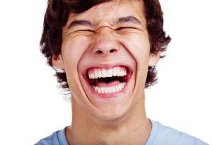 La-risa-combate-el-insomnio-