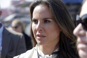 En esta foto del 24 de marzo del 2013, la actriz mexicana Kate del Castillo asiste a una carrera de NASCAR en Fontana, Califorida. (AP Foto/Reed Saxon, Archivo)