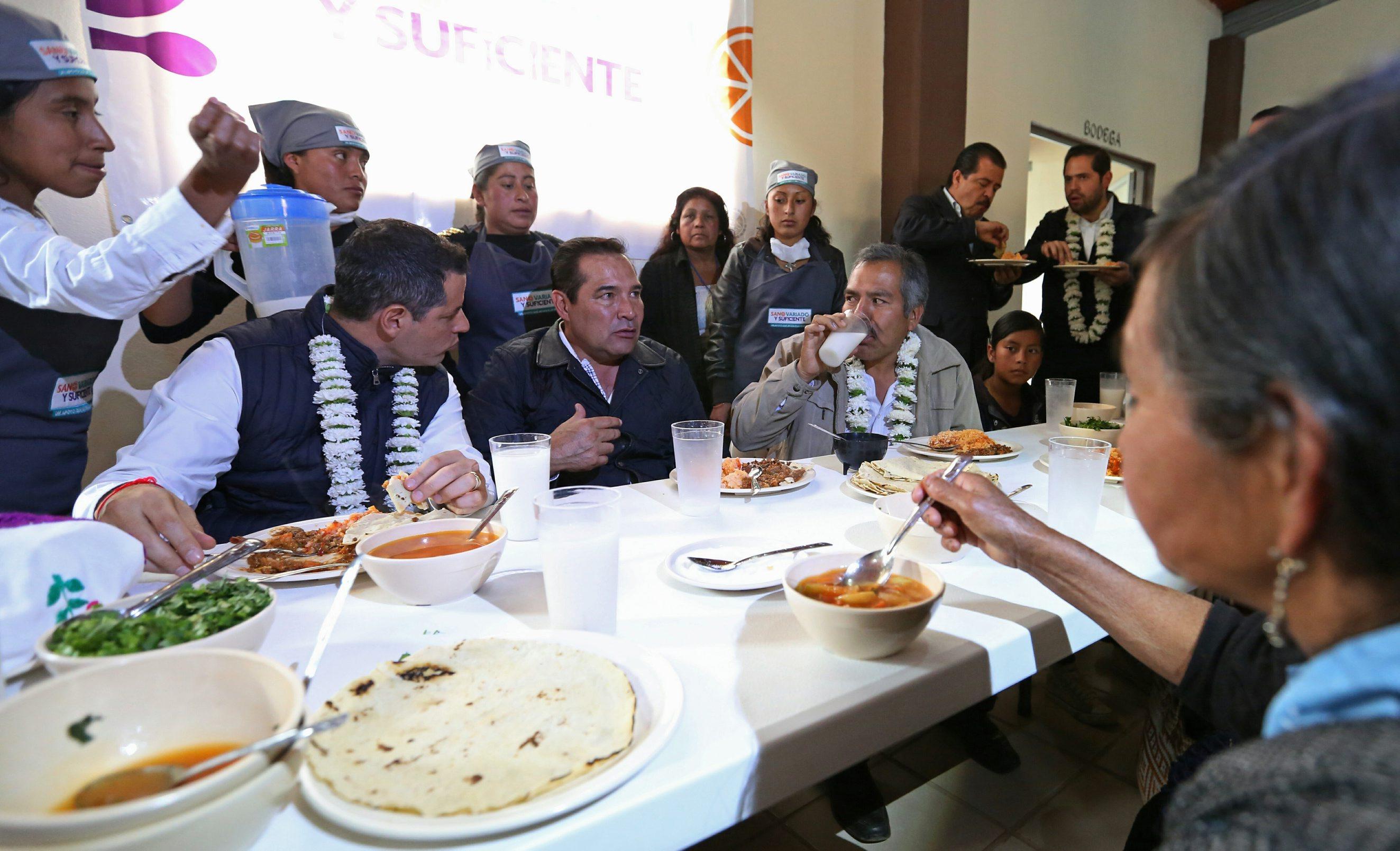 61215105. Oaxaca, 15 Dic 2016 (Notimex- Sedesol).- El secretario de Desarrollo Social, Luis Miranda Nava, realiza una gira de trabajo por el estado de Oaxaca.  NOTIMEX/FOTO/SEDESOL/COR/POL/